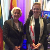 Sally Painter (L) with Dutch Member of European Parliament Marietje Schaake at 2016 Concordia Summit.